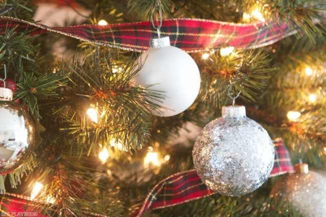 michaels-christmas-tree-2016-ornaments