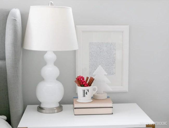 nightstand-bedroom-christmas