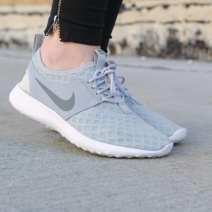 athleisure_nike-gymshoes