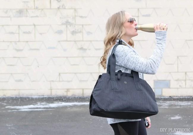 drinking-swell-water-bottle-casey