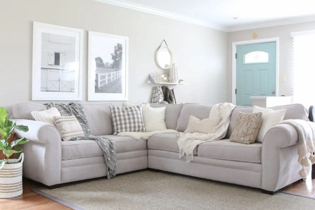 choose   throw pillows   gray couch