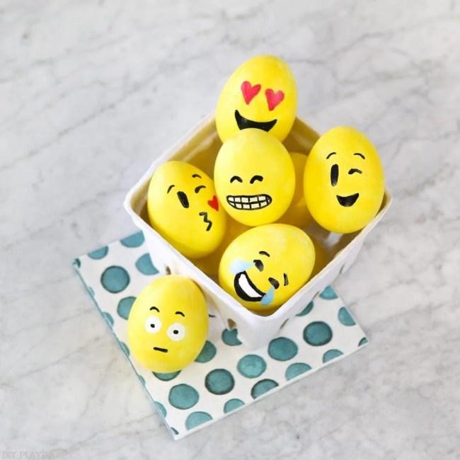 DIY_Emoji_Easter_eggs-16