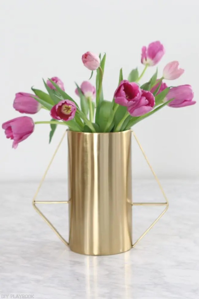 How-to-arrange-tulips-8