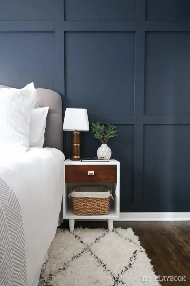 guest-bedroom-nightstand