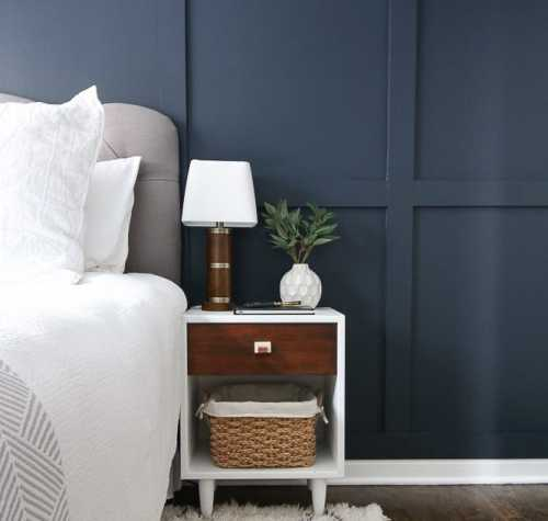guest-bedroom-nightstand