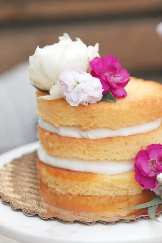 cake_stand_cake_flowers