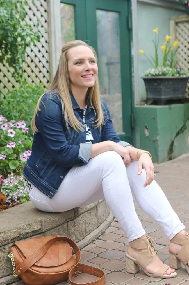 casey-white-jeans-jackeet