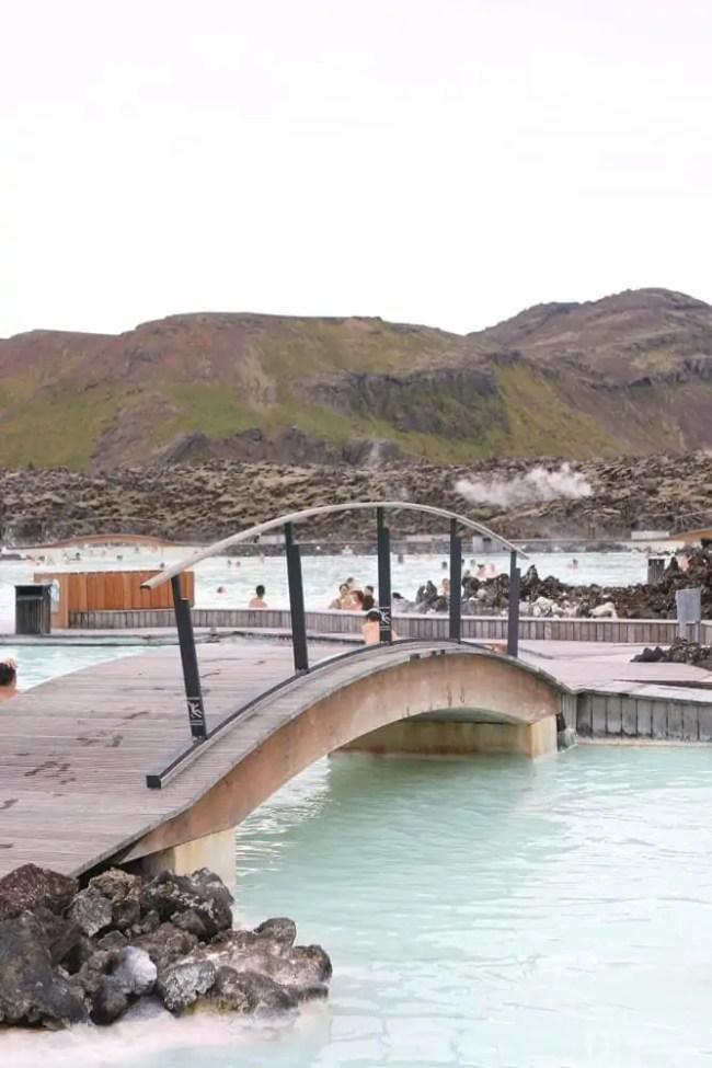 Travel_Iceland-blue-lagoon-bridge