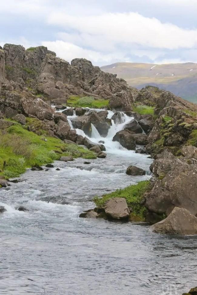 Travel_Iceland-waterfalls