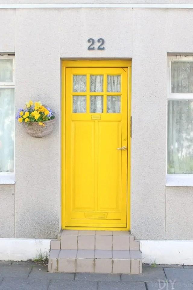Travel_Iceland-yellow-door