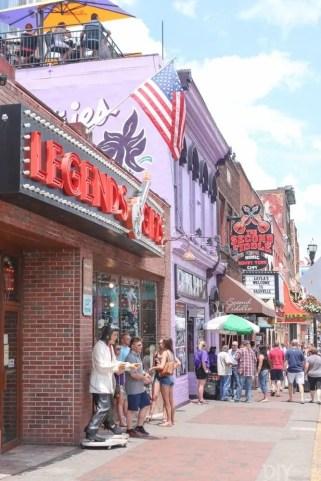 Travel_Nashville-broadway