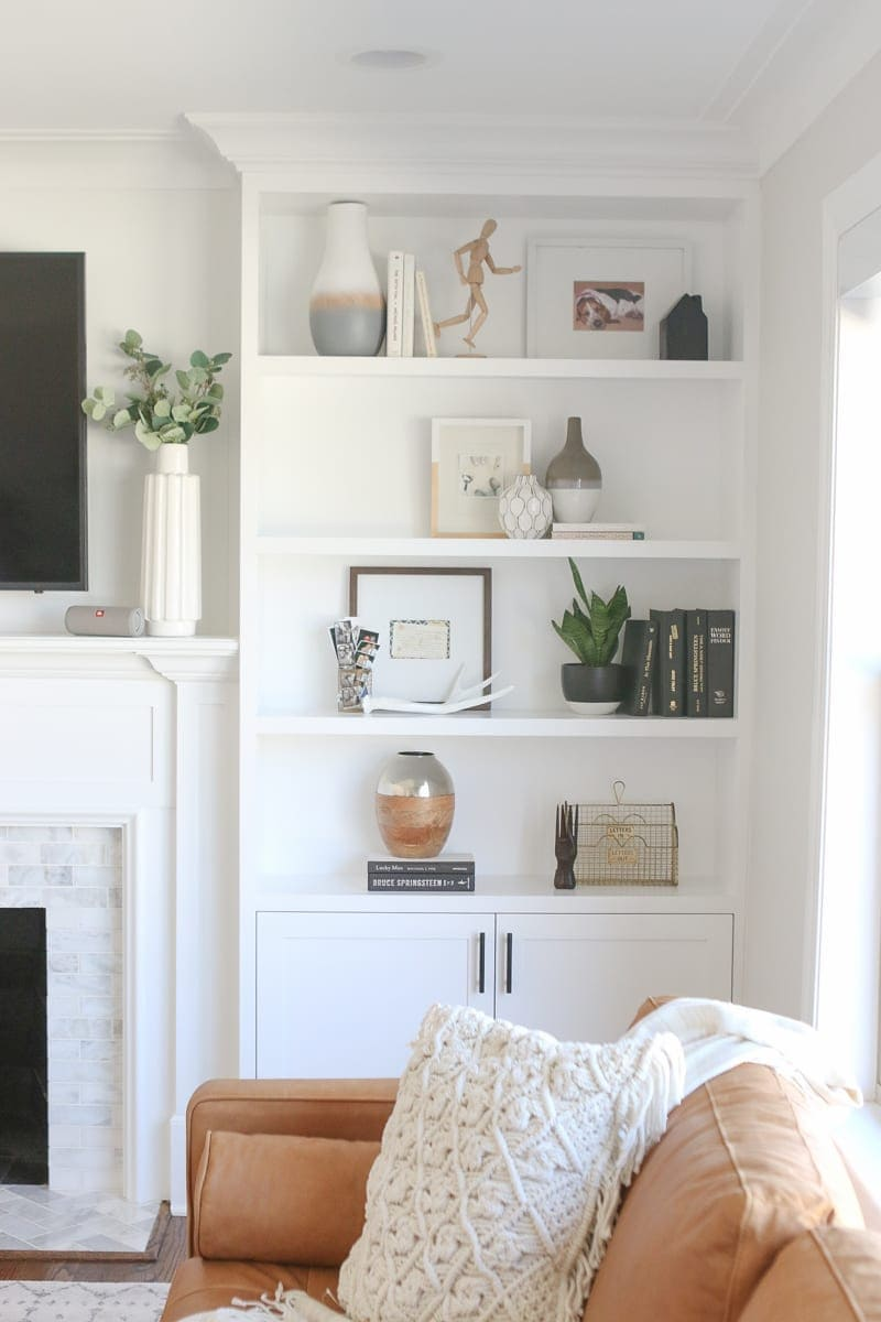 The Dos And Don Ts Of Decorating Built In Shelves The Diy