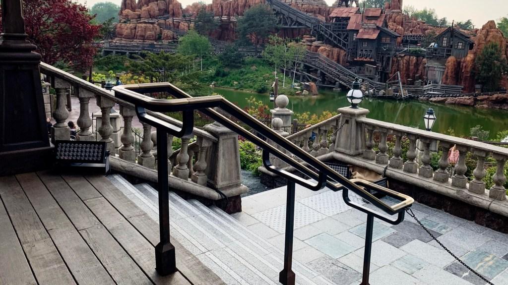 Phantom Manor Refurbishment railing