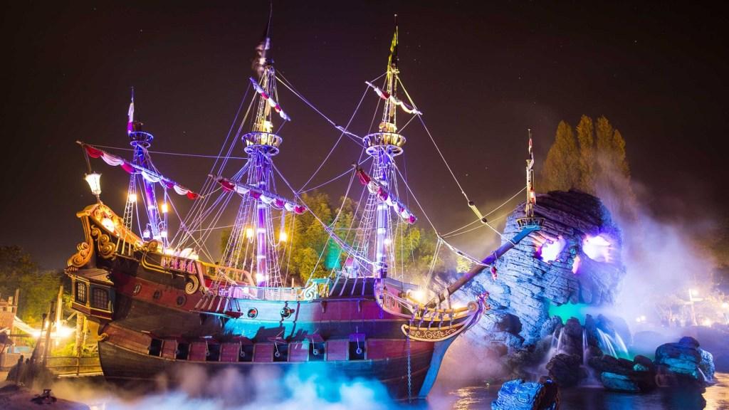 Disneyland Paris Halloween party skull rock
