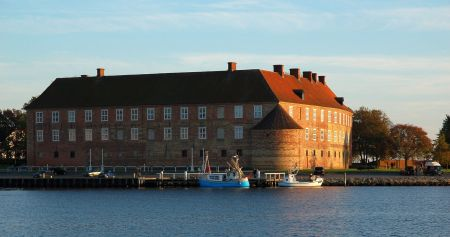 Sønderborg Castle in 2007, as photographed by Arne List. Image source: www.commons.wikimedia.org