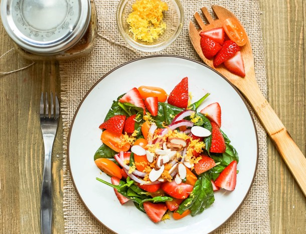 Strawberry Spinach Salad with Chia Seed Vinaigrette
