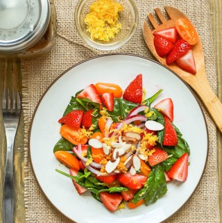 Strawberry Spinach Salad with Balsamic Chia Seed Vinaigrette