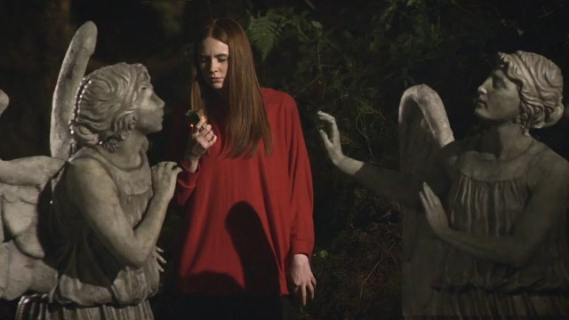 The Weeping Angels menace Amy Pond in Flesh and Stone
