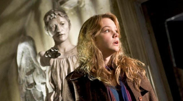 Sally Sparrow faces off against the Weeping Angels in 2007's Blink
