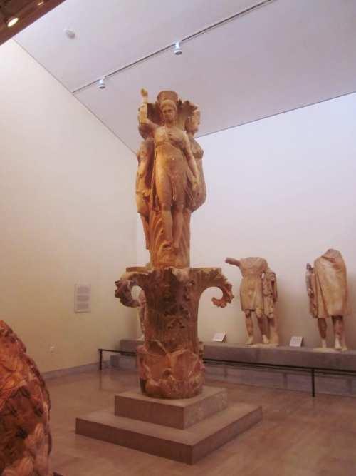 Acanthus Column, Delphi