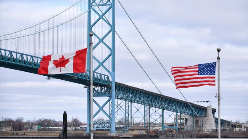 US land borders between Canada and Mexico closed until 21 November