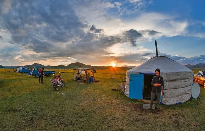 QRCS provides shelters for vulnerable families in Mongolia