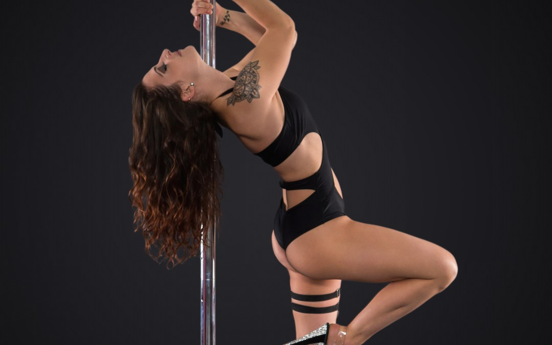 Shoulder Exercises and Stretches to Prevent Injury for Pole Dancers