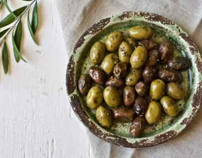 bowl of heart healthy olives