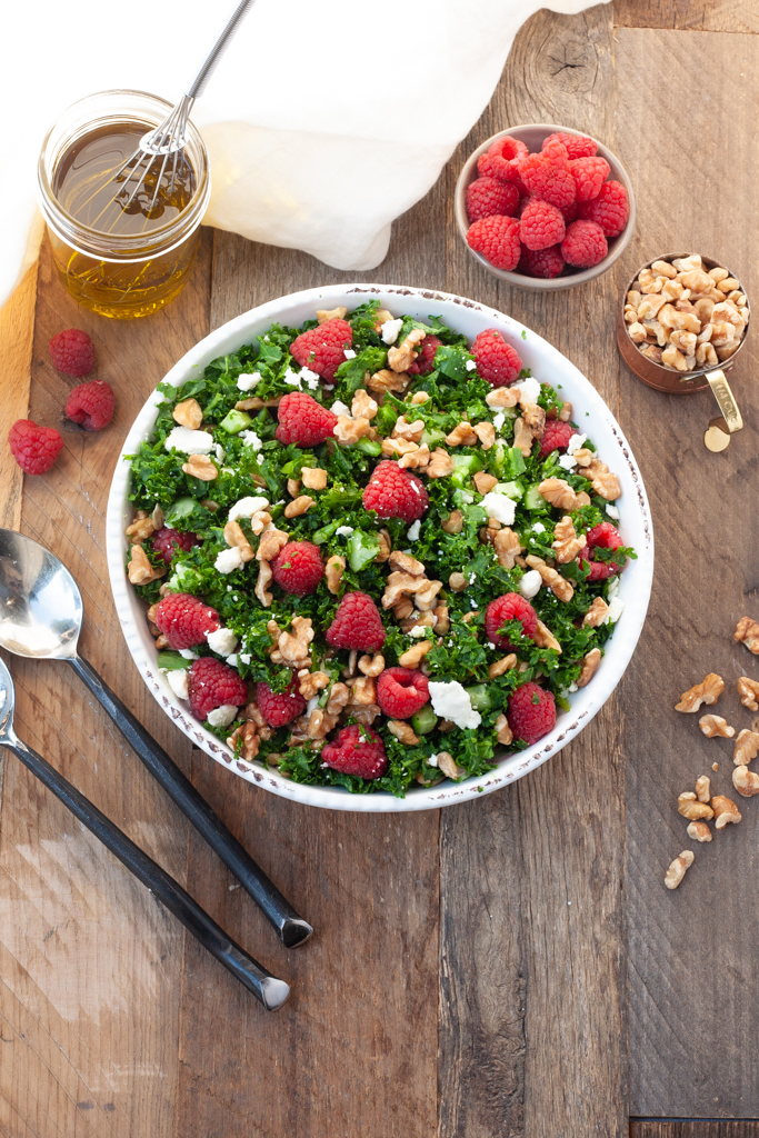 raspberry walnut salad - Mediterranean diet recipe