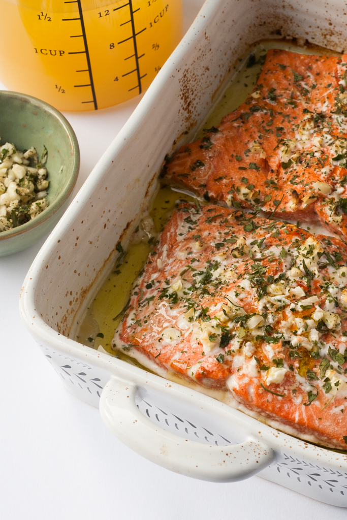 baked salmon with pineapple juice, garlic and herbs