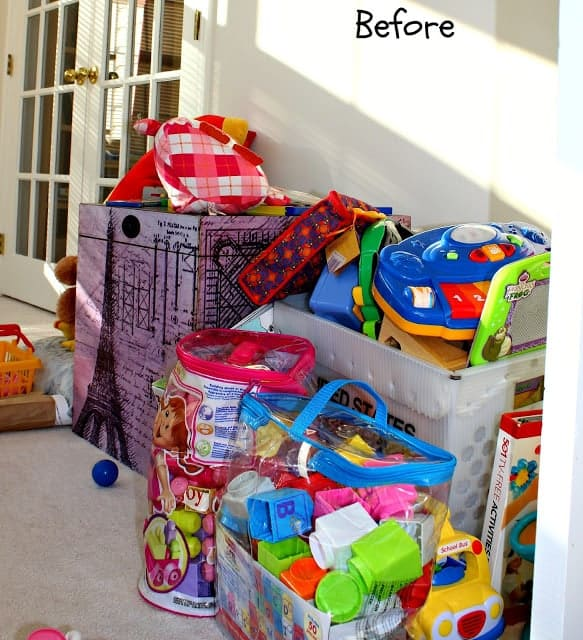 Easy and practical tools to use to organize toys clutter in your home