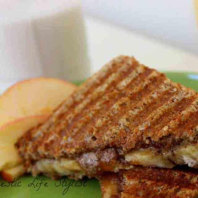 apple/almond butter banana sandwich
