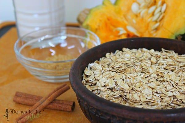 ingredients for pumpkin oatmeal