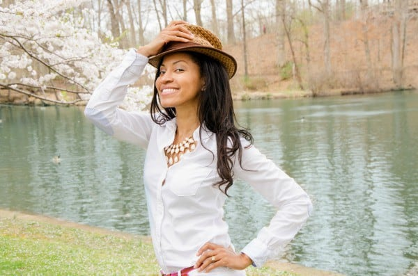 fedora with necklace 2