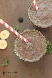 berry banana kale smoothie