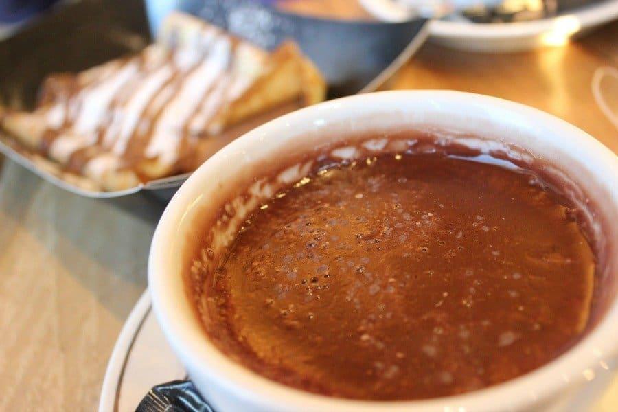 thick hot chocolate 900x600