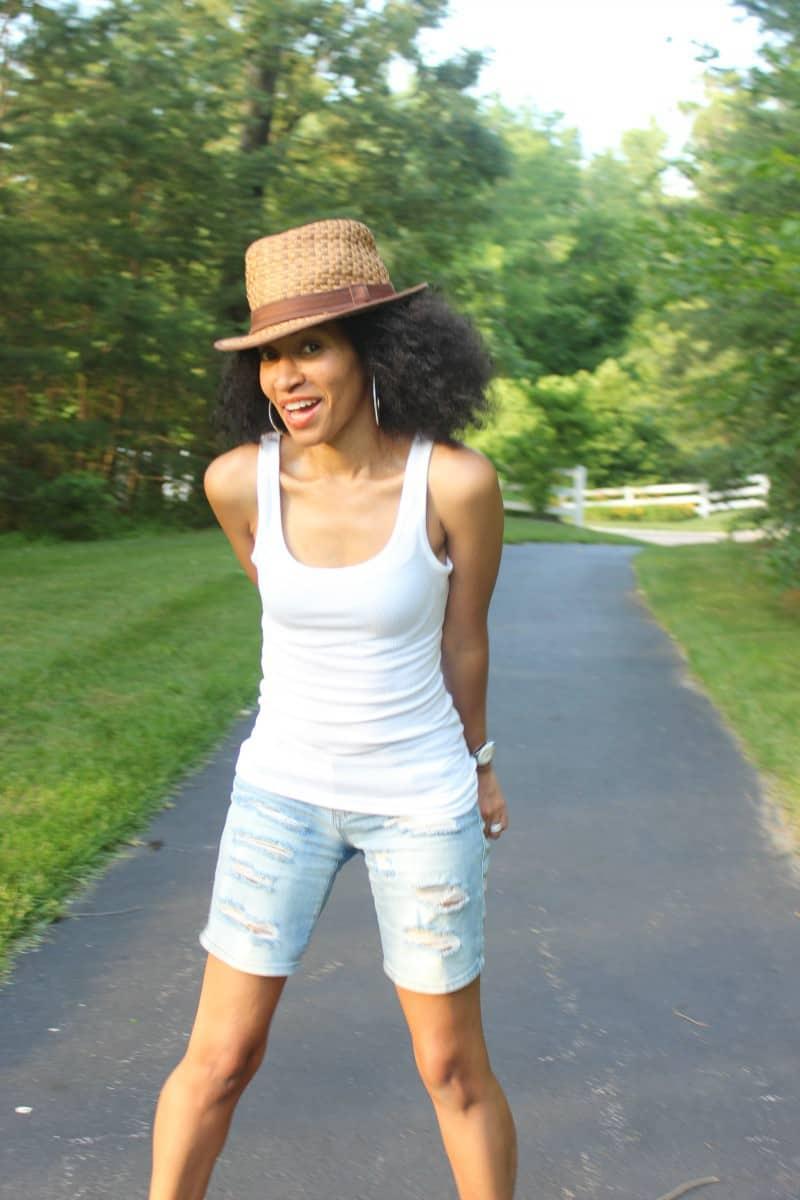 ribbed shorts and white tank summer look