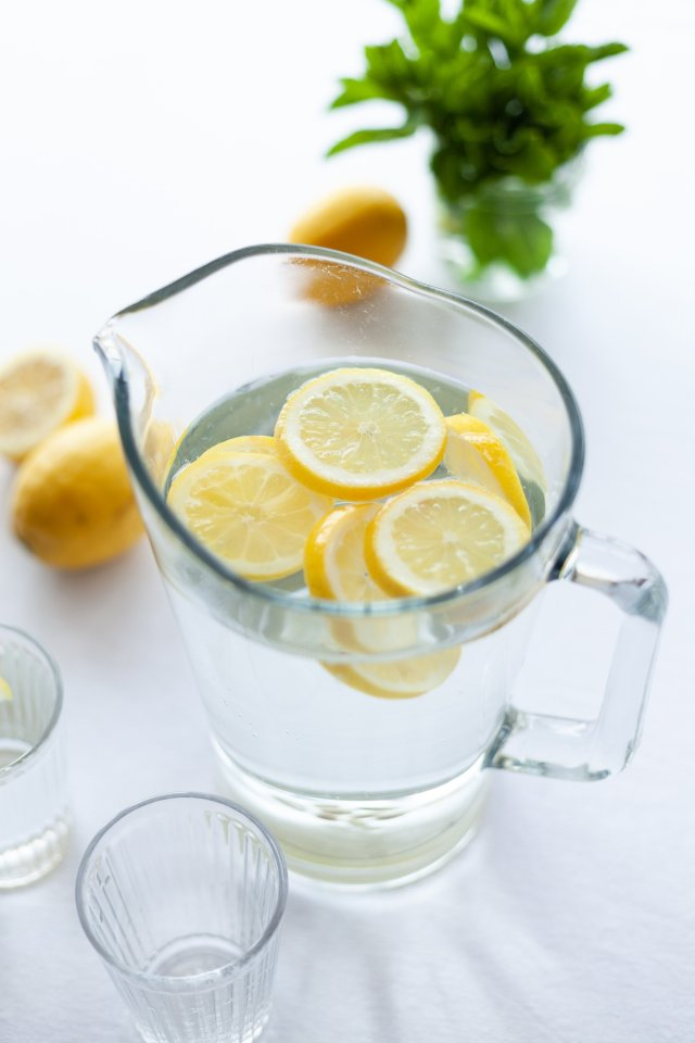 Lemon water to spring clean your diet