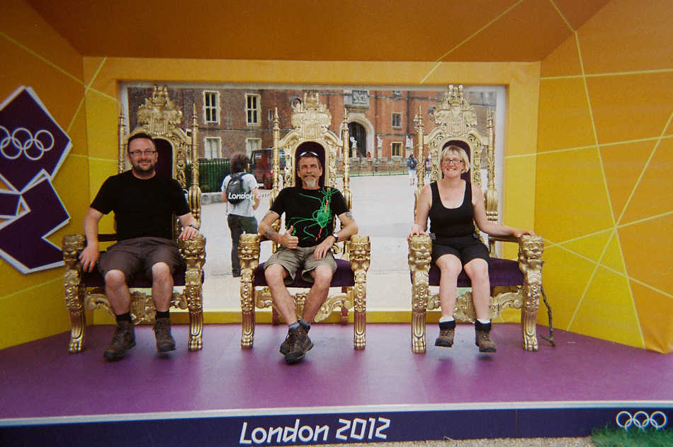 7th August, Hampton Court Palace, 2012, Mark and Hodge and I on thrones!