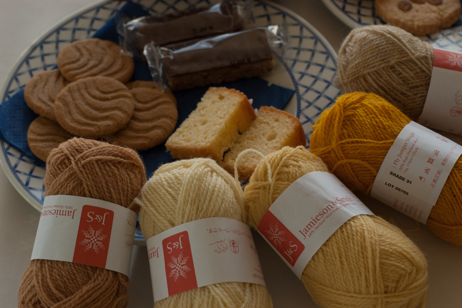 Matching the yarn to the biscuits...