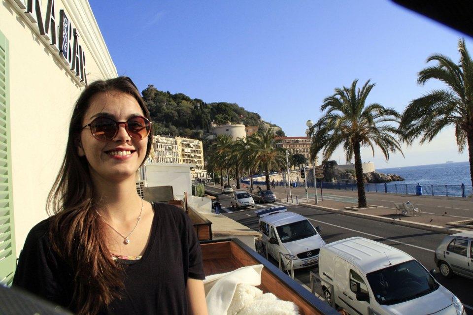 Sonne während der Nizza Reise genießen