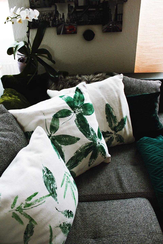 Drei verschiedene DIY Kissenbezüge auf Sofa