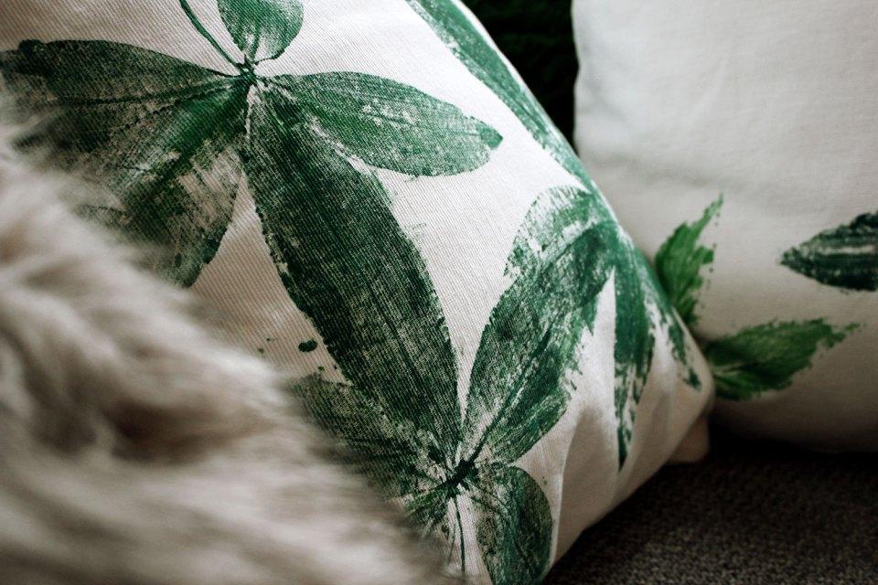 DIY Kissenbezug bedrucken: Kissen mit vier Blättern