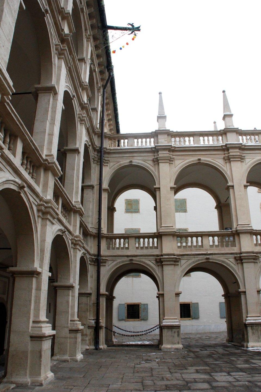 Bogengang im Grazer Landhaus