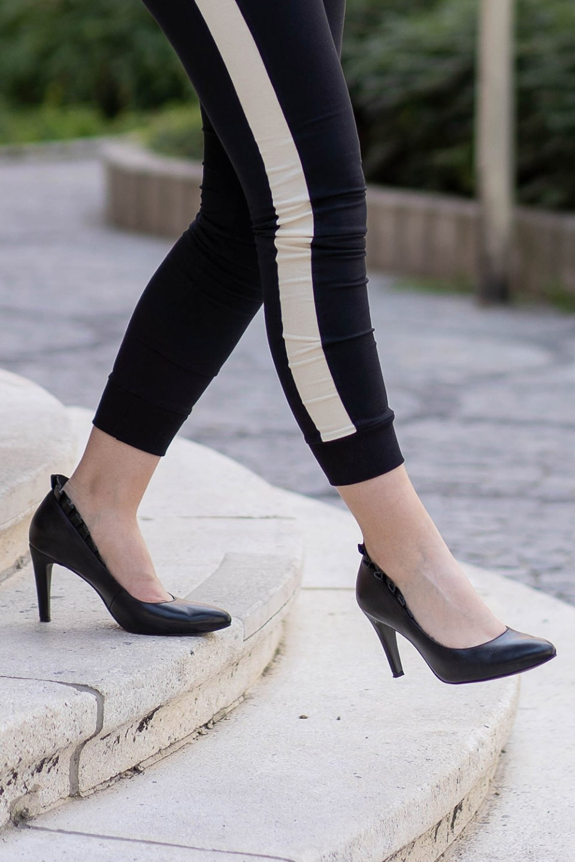 Jogginghose mit Heels
