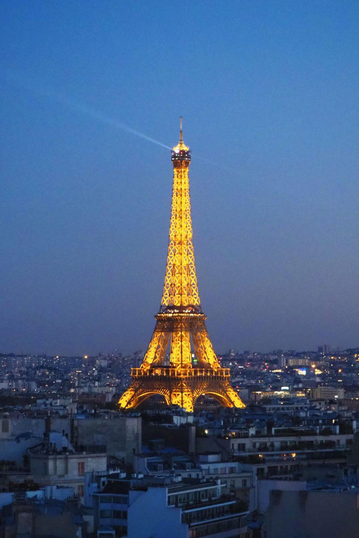 Eiffeltower in Paris by night