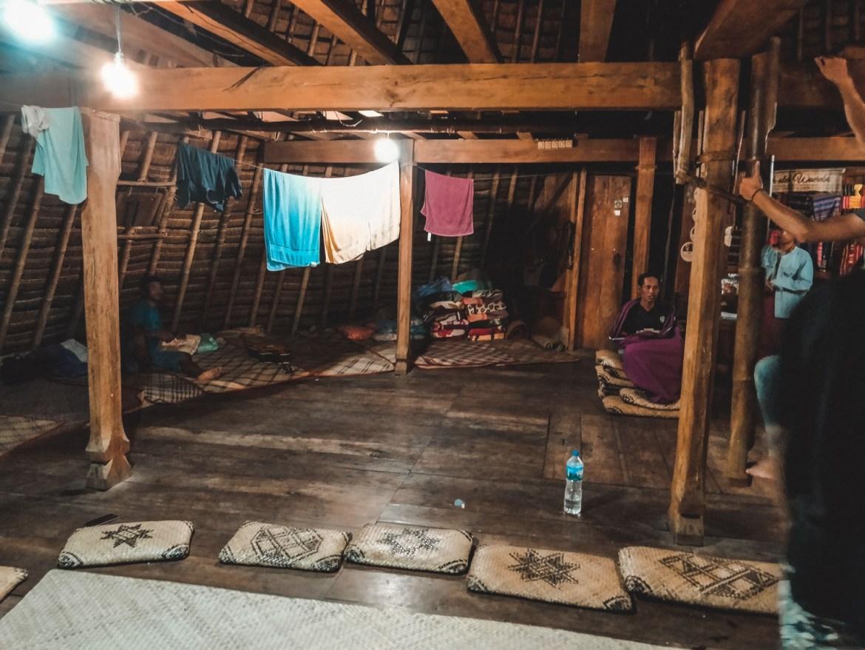 In der Hütte in Wae Rebo