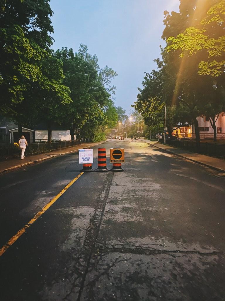 toronto pedestrian zone social distancing
