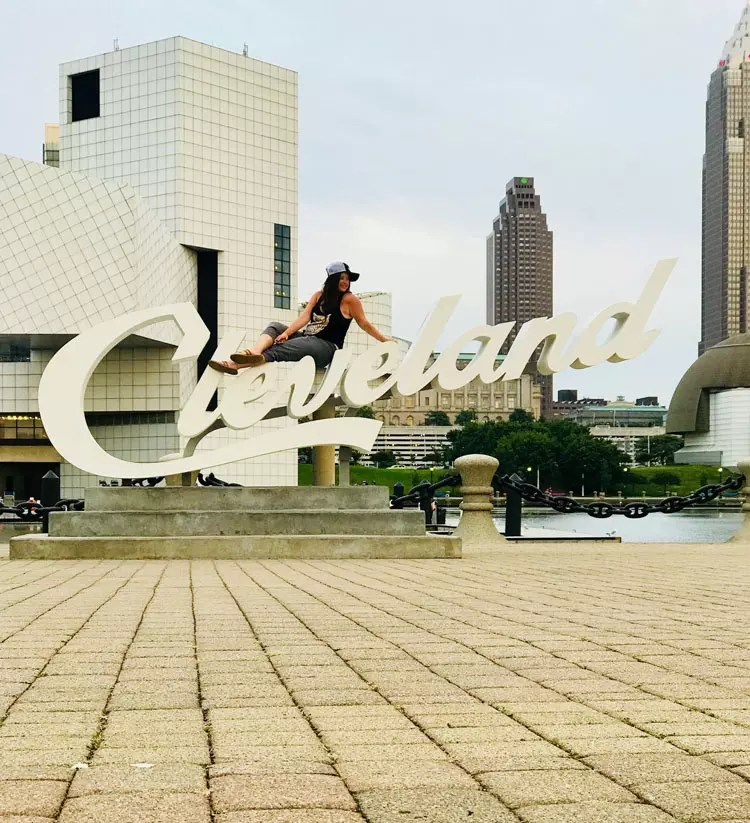Your Cleveland travel guide. Things to do in Ohio's secret capital of cool for photography and free fun. Downtown art, skyline views, the best restaurants and bars, food for days, and all the sign pictures you can handle. Fun with kids, couples or solo. Don't miss west side market, Instagram spots, sports hall of fame, the rock and roll hall of fame, murals, and other epic photo locations. #cleveland #travel #usa #america #states #ohio