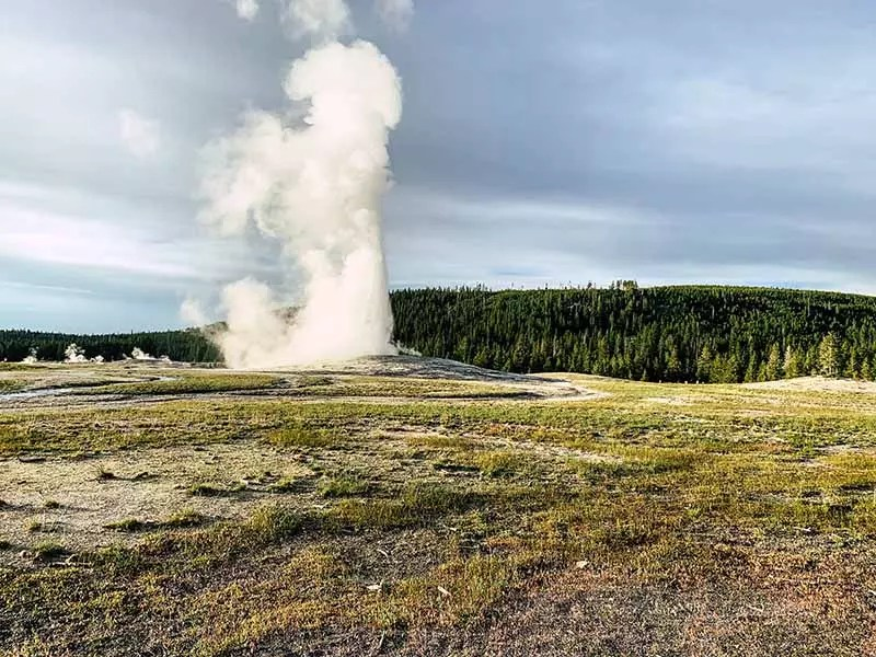 Planning A Trip To Yellowstone Here S Everything You Need To Know